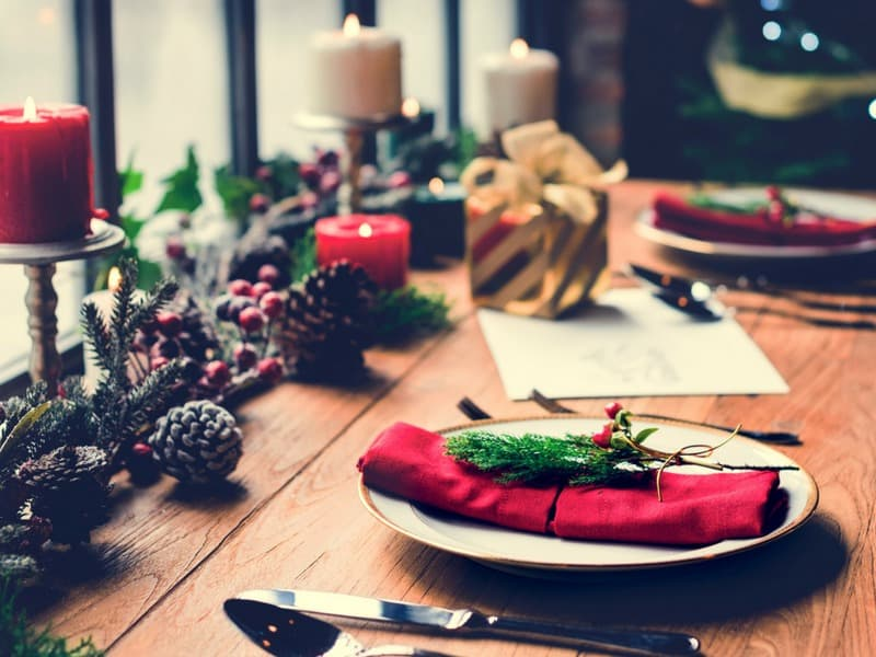 Healthy Holiday Entertaining with Essential Oils