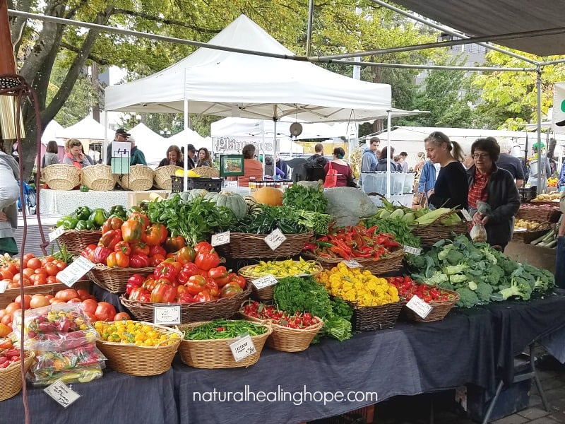 farmers market bounty is the best way to experience the benefits of eating seasonally